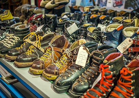 SHOP vintage & antique ski boots